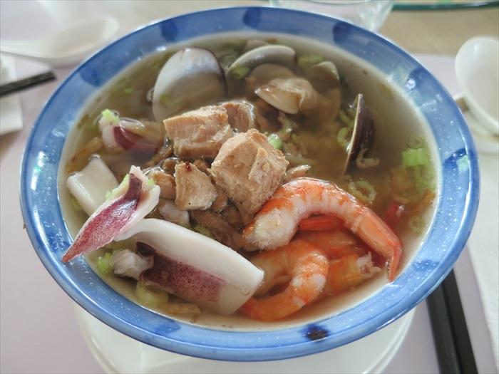 海鲜汤饭,已由当年寻常变为难得。