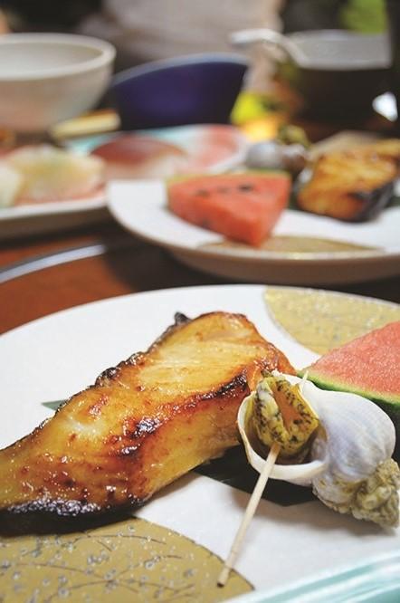 摆盘精致的海鲜美食。(二)