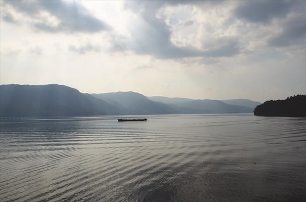 十和田湖本身是一座由火山爆发后所形成的湖泊,其面积之大局全日本第三。