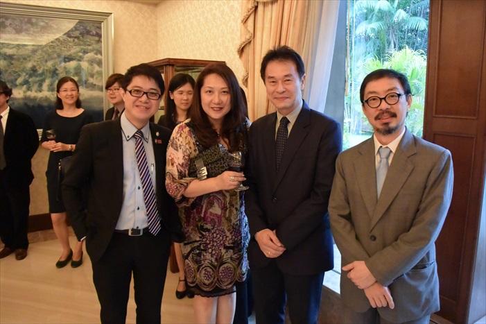 左起:黄引辉、刘丽萍、庄宗南、郑丁贤。