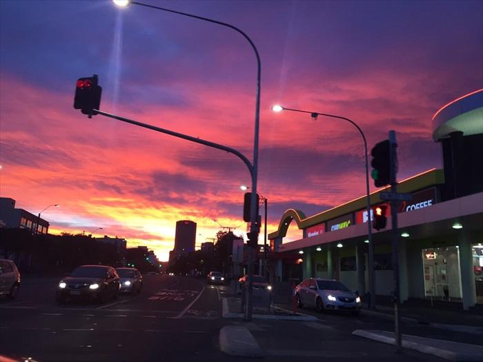 南澳在晨曦中渐渐苏醒。