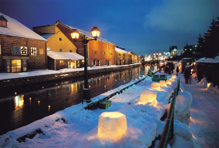 小樽运河,集合了水、灯、雪等浪漫元素的地方。