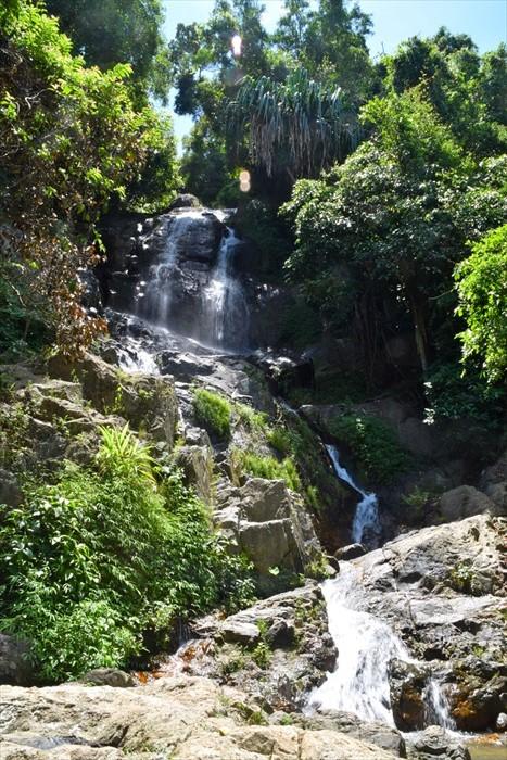 苏眉岛有两个瀑布,这是Na Muang瀑布。