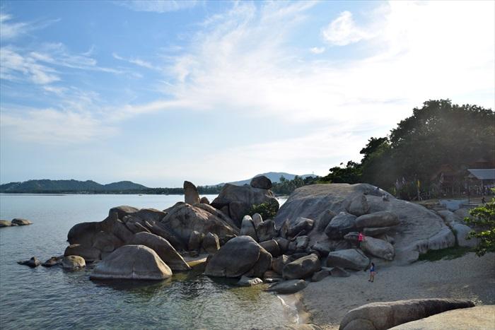 祖父祖母石(Hin Ta HinYa),当地人认为此石像男女性器官,所以称之为祖父祖母石,但我怎么看还是看不出端倪。