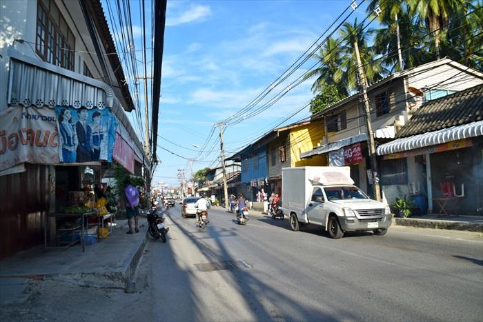 Lamai大街,没有因为旅游业而过度开发,还是非常朴实。