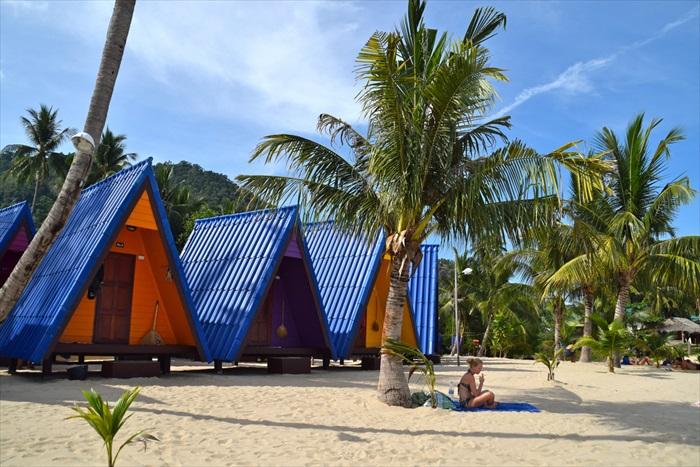 入住位于Lamai海滩的New Hut Bangalows & Restaurant。
