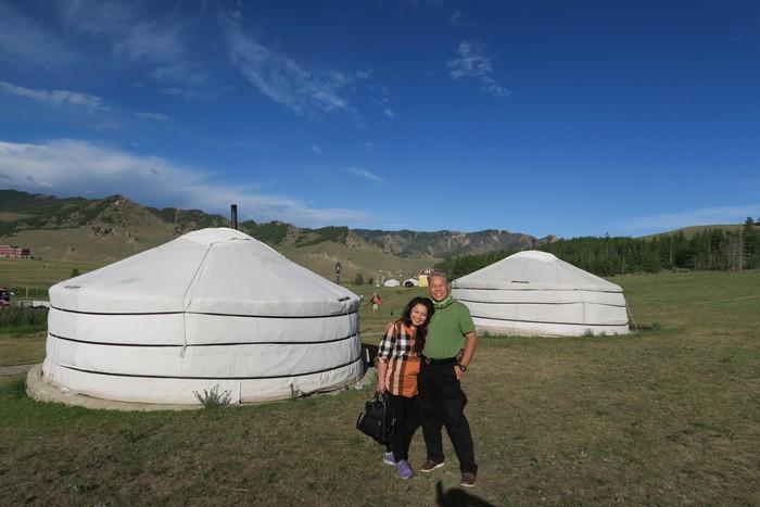 夏天+大草原+蒙古包---与心爱的人小住两天,够玩味。
