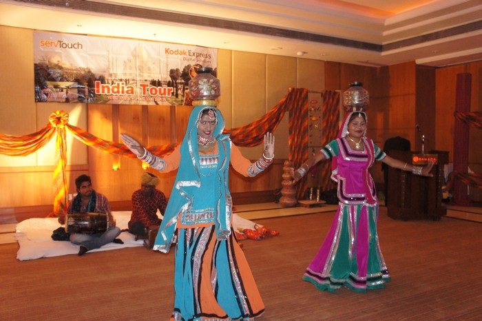 音乐与舞蹈,是民俗生活中所产生的一种艺术形态。