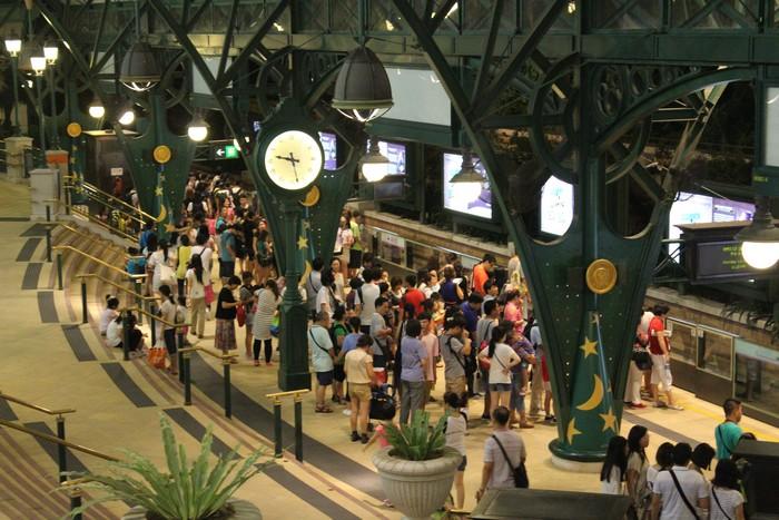 Disneyland_Hong_Kong_MTR_IMG_5655