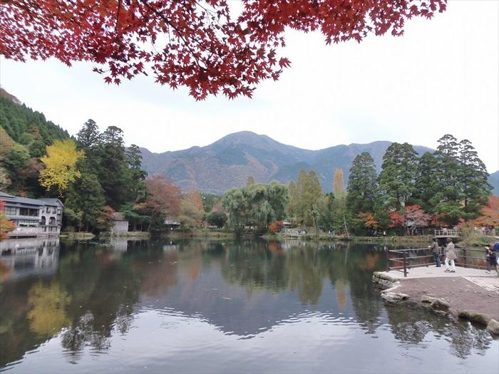 湖和湖畔的景色完美相融,看的和感受的都是两个字——舒服!