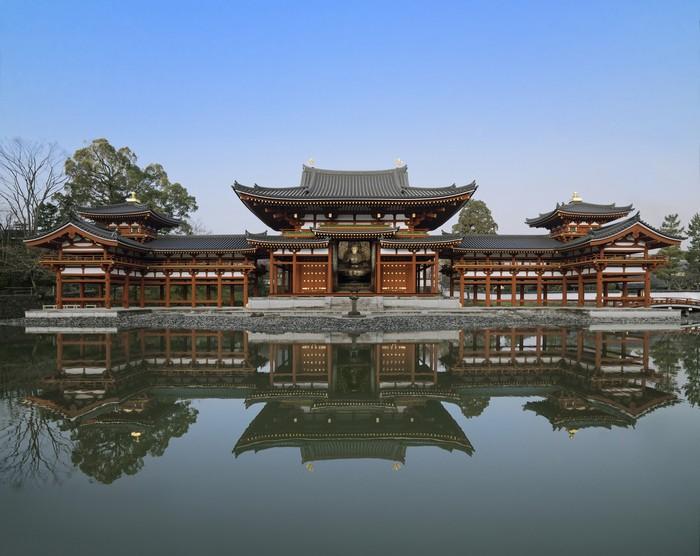 """现在屋顶上的凤凰是复制品,本尊放在""""凤翔馆""""展示。"""
