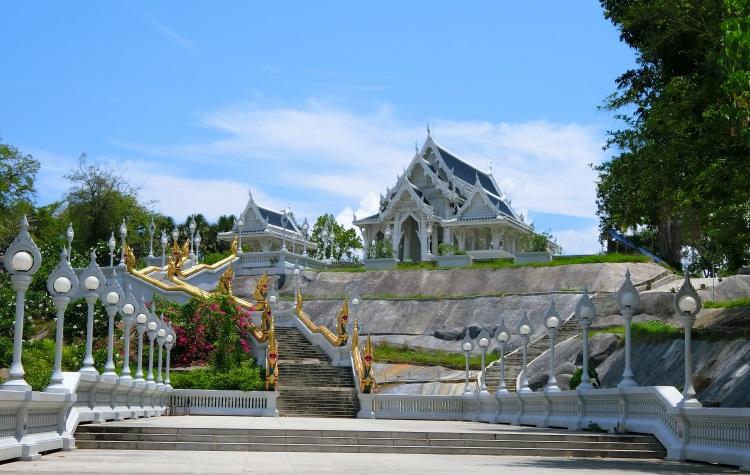 甲米白庙。