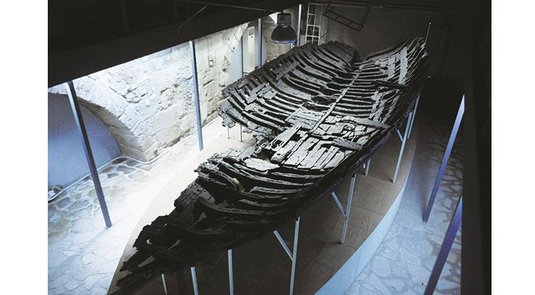 2300年前沉没的古船,堪称是考古历史上的重大发现。