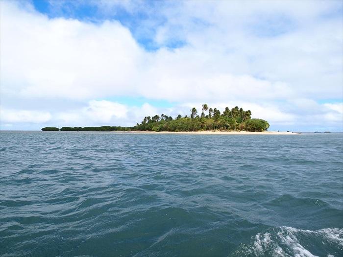 这就是Robinson Crusoe Island小岛。