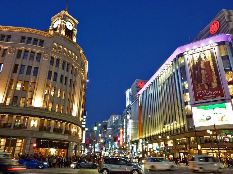 日本东京,豪华气派的高级地区 -- 银座(Ginza)。