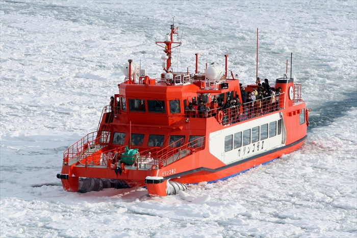 ice breaking (2)