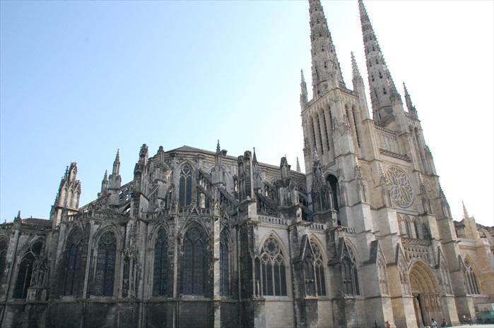 壮观的圣安德列大教堂。