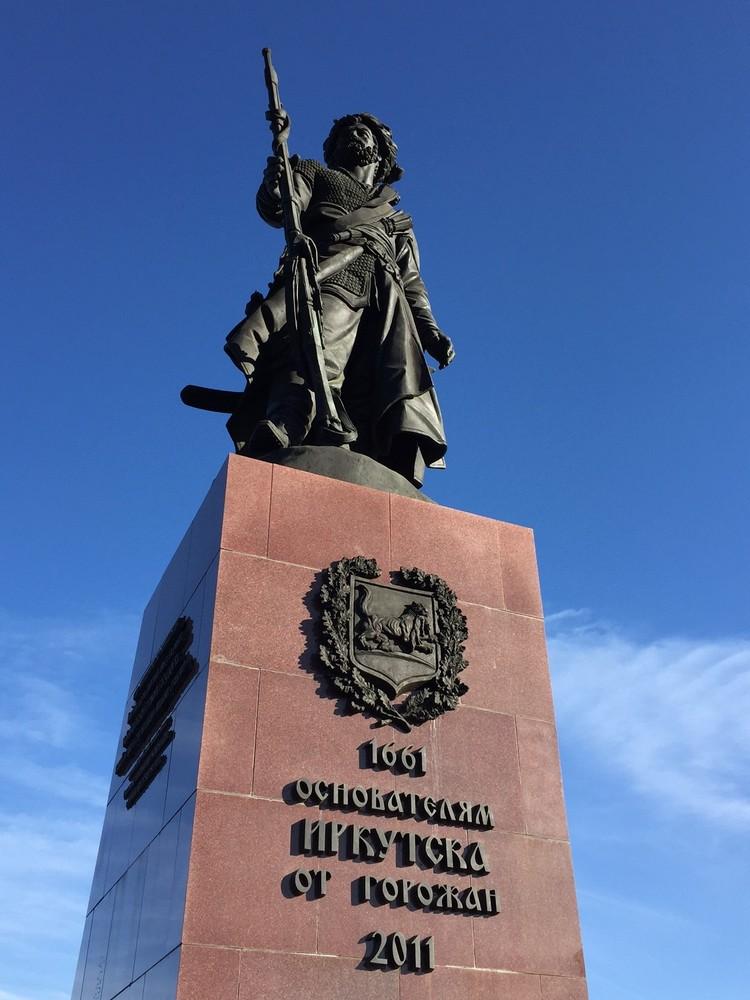 西伯利亚游牧民族是在350年前来到伊尔库茨克,遇见了安卡拉河,也爱上了贝尓加湖,从此就在这安居乐业。