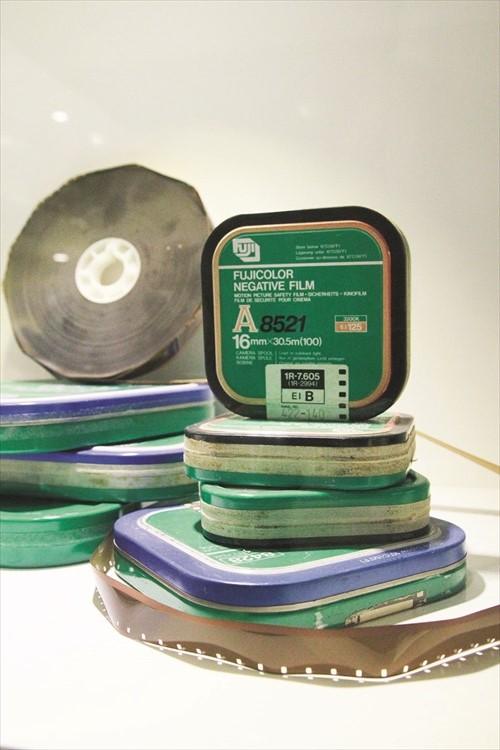 这里还收藏着以前的电影底片。16厘米底片适用于拍摄纪录片、教育影片与实验影片等,曾一度广泛运用于电视制作中。