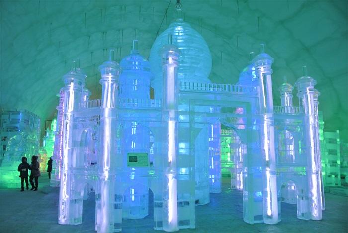 世界冬季城市广场