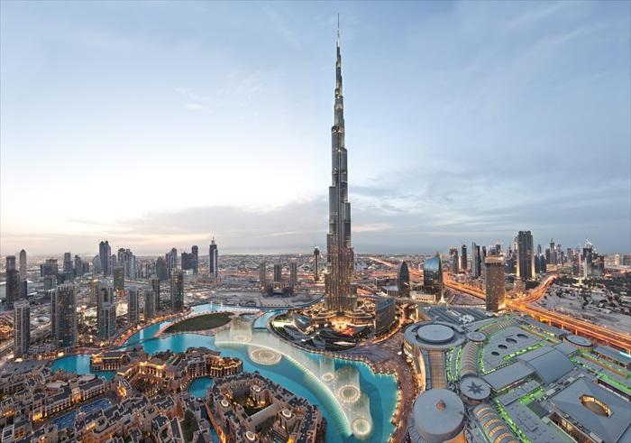 世界最高建筑物,哈利法塔。
