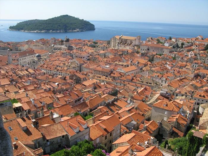 """被誉为""""爱琴海之珠""""的杜布罗夫尼克古城。"""
