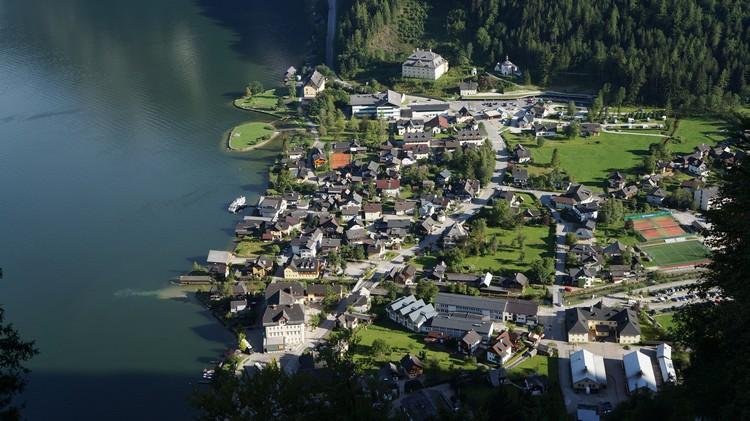 悠静浪漫的童话小镇--哈尔施塔特(Hallstatt)
