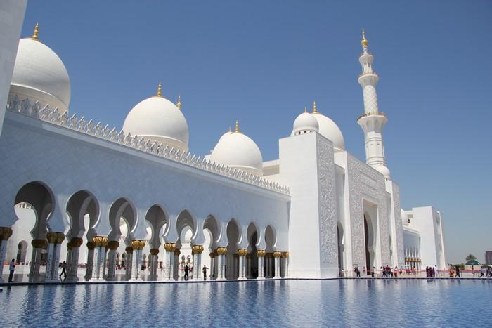 千金打造出来的谢赫扎伊德大清真寺。