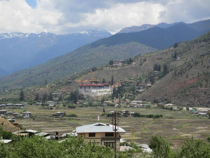 不丹有着别树一帜的生活形态。旅游不丹景点其次,这里的人文习俗才是你的旅游感受重点。