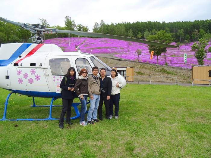 有的公园甚至还提供乘坐直升机赏芝樱,你想试试看吗?