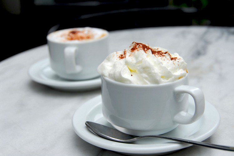 咖啡是维也纳人钟爱享受的悠闲饮料,钟爱程度能把咖啡和音乐相提并论。
