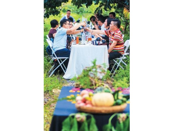一顿田野飨宴,让大家抛开烦恼,感受最原始的味道。