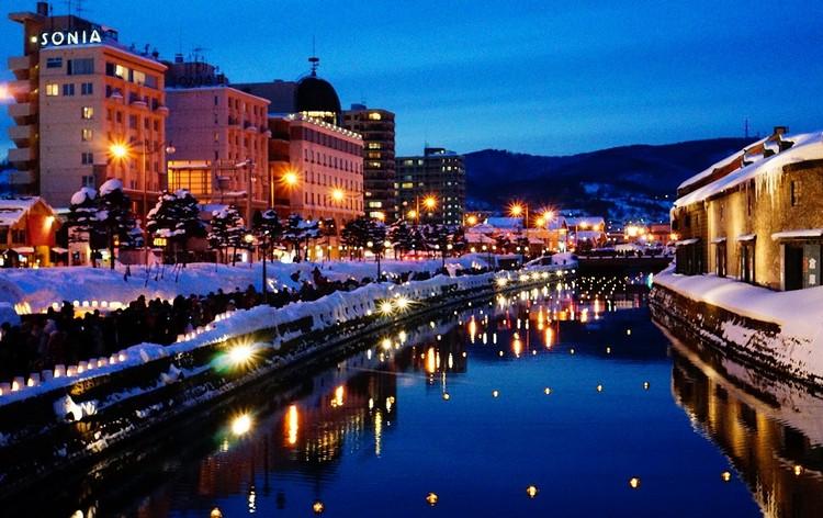 夜色浪漫的小樽运河