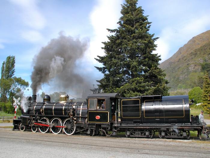 前往Doubtful Sound途中小憩的一个景点,蒸汽火车。