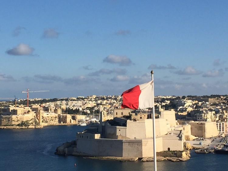 马尔他主要深水码头与16世纪古堡;相濡以沫。