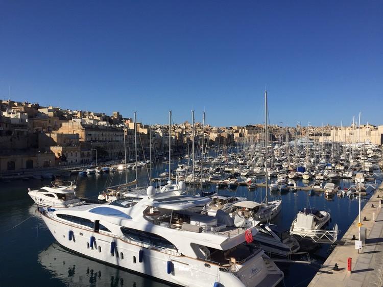 三城之一的游艇码头;据说马尔他有钱人都有超级游艇
