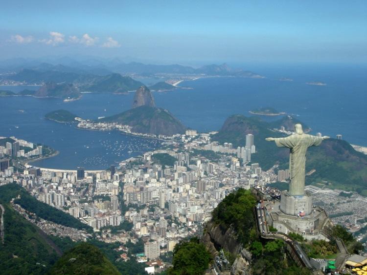 鸟瞰里约热内卢市景(取自网络)