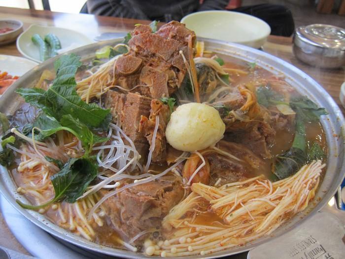 猪骨锅 Gamjatang
