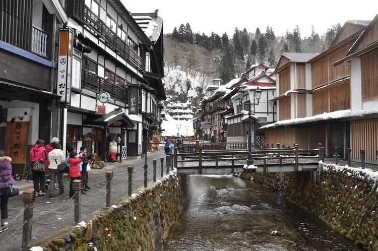 银山温泉乡,具有日本浓厚传统风情的温泉景区。