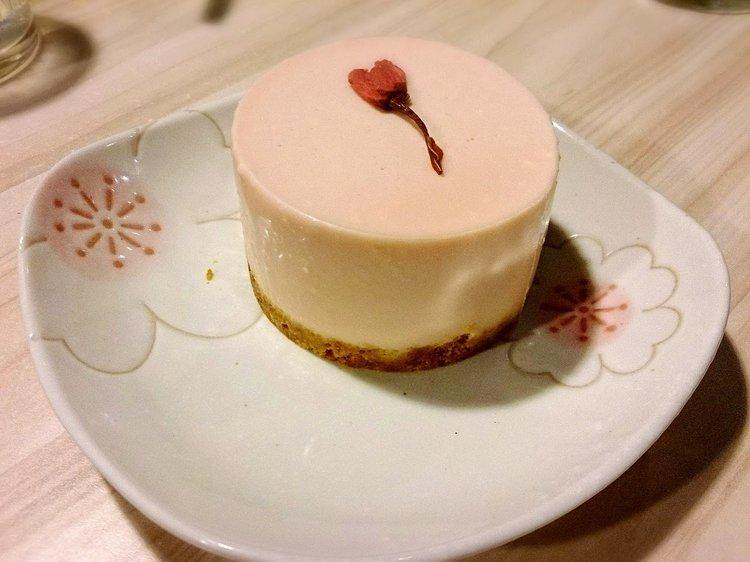 让人口水直流的樱花甜点。
