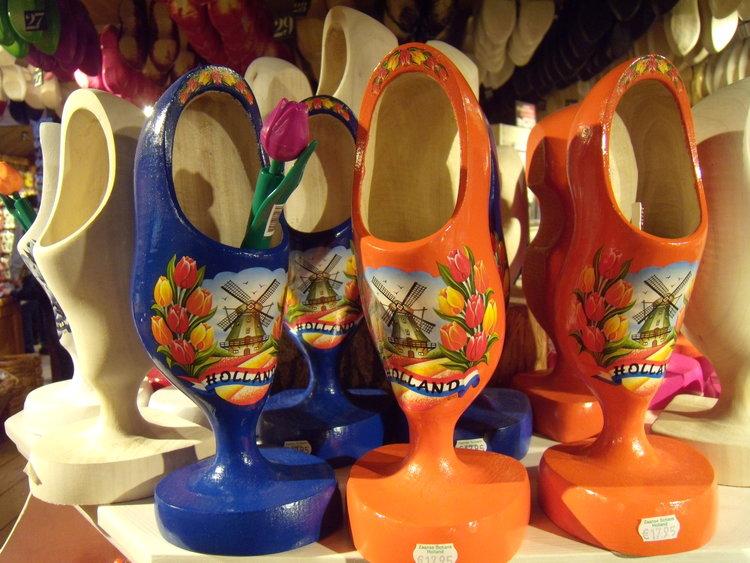 荷兰木鞋也可以是很精致的摆设喔!