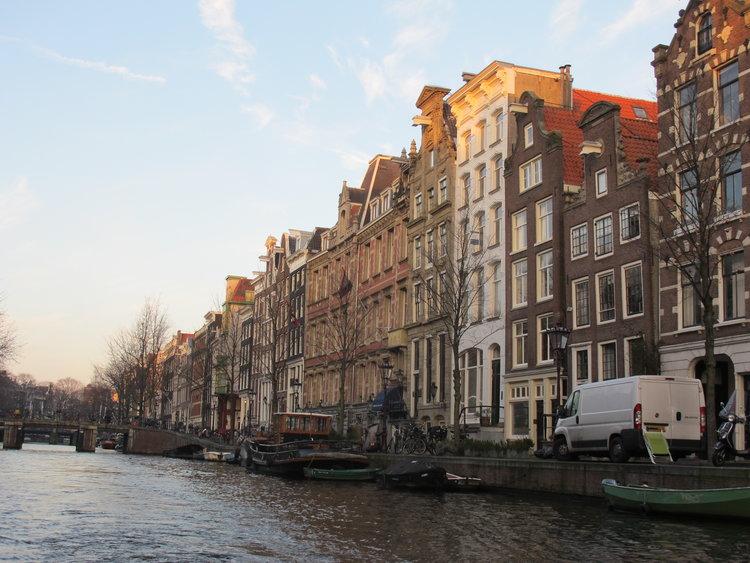 让我最爱的还是荷兰的街景,尤其是阿姆斯特丹运河。