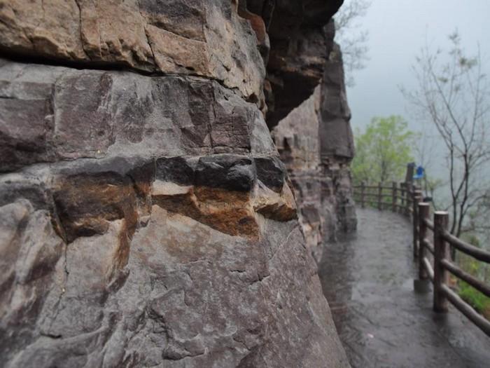 云台山在元古时代是一片海洋,随着地壳变动逐渐成为平原。