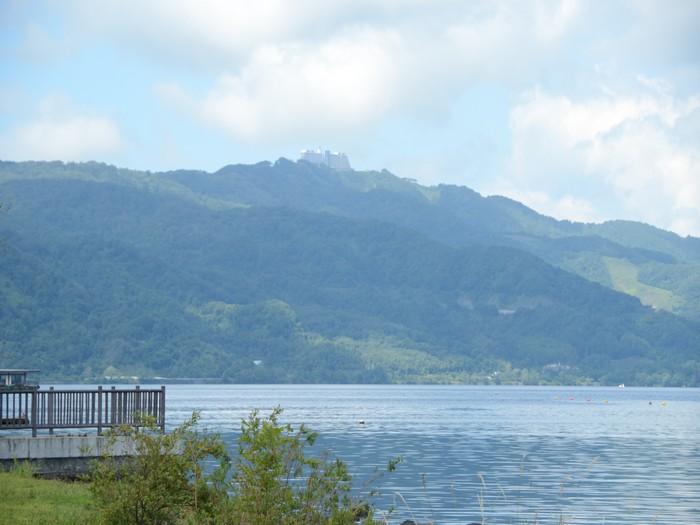 每个季节的洞爷湖都有着各自截然不同的面貌。