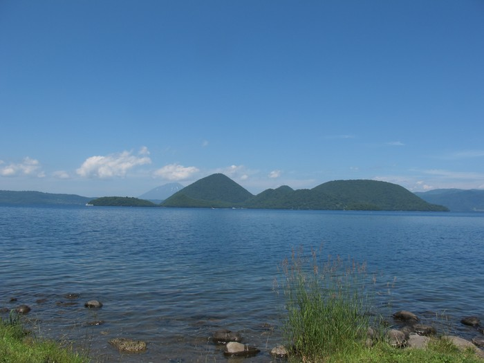 在这恬静的湖景区赏景,城市的烦嚣瞬间就不见了。