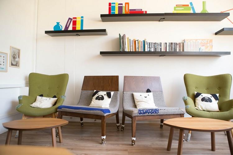以猫咪作为主体的摆设,是让顾客可以放松的角落。