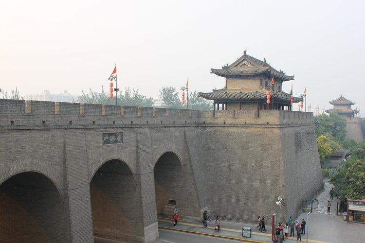 经历沧桑的西安城墙,千百年前也是这番模样?