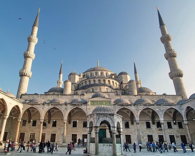 原名苏丹艾哈迈德清真寺的蓝色清真寺。