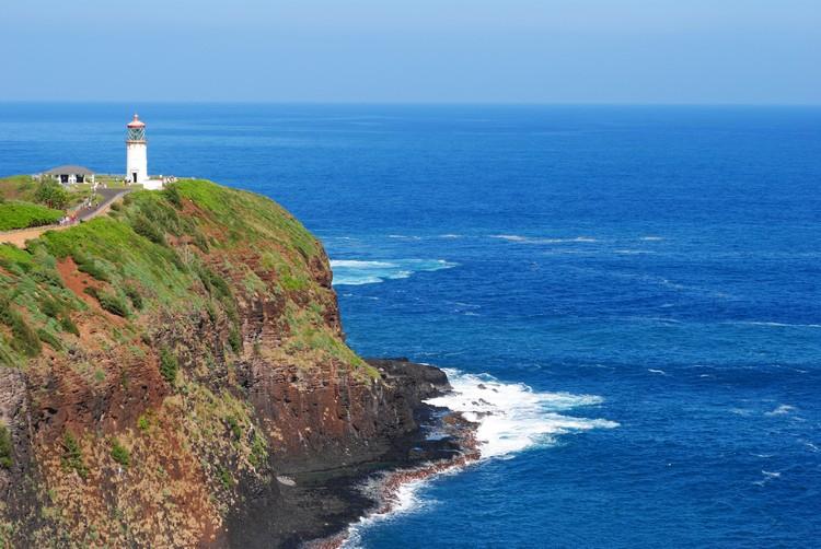 建于1913年、15米高的基拉韦厄灯塔(Kilauea Lighthouse)就在矗立在可爱岛的最北端。
