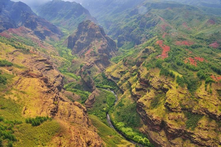 """威美亚峡谷有着""""太平洋的大峡谷""""之称。"""